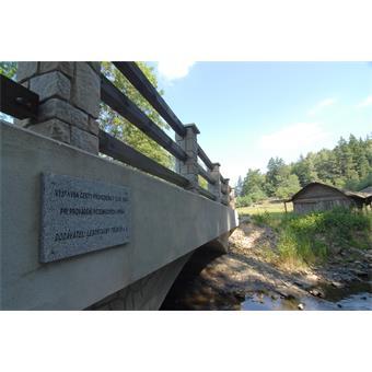 Most Zahrádky